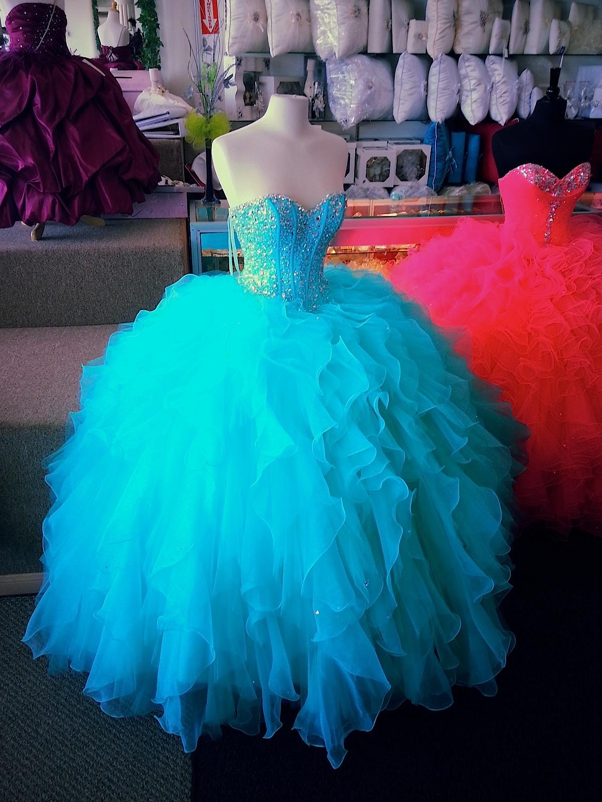 8e04508e8 Vestidos de Quinceanera Tiendas de vestidos para quinceaneras Chicago  Vestidos de quinceanera en chicago